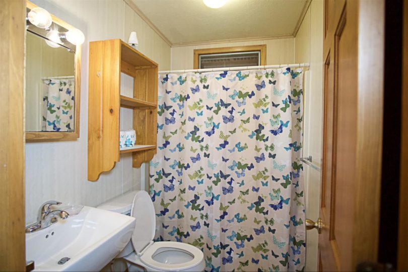 Cottage A - Bathroom